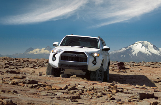 Toyota-Land-Cruiser-2016